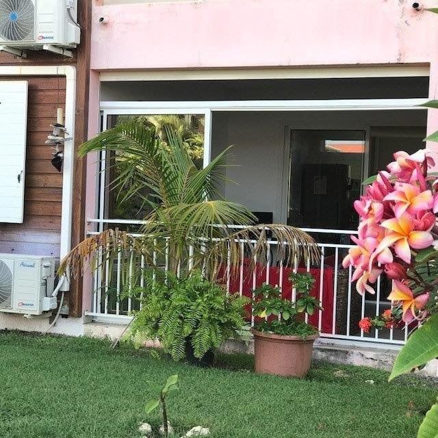 Sale apartment St francois 180000€ - Picture 2