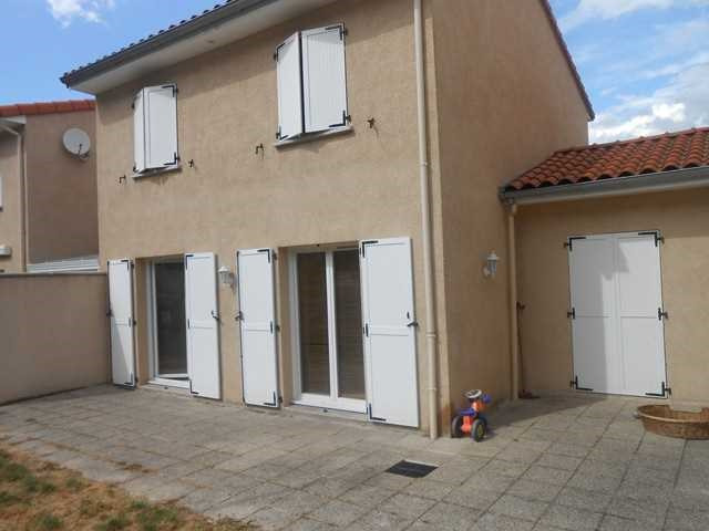 Rental house / villa Saint-genest-lerpt 930€ CC - Picture 1