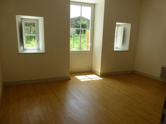 Rental apartment Saint-jean-d'angély 560€ CC - Picture 4