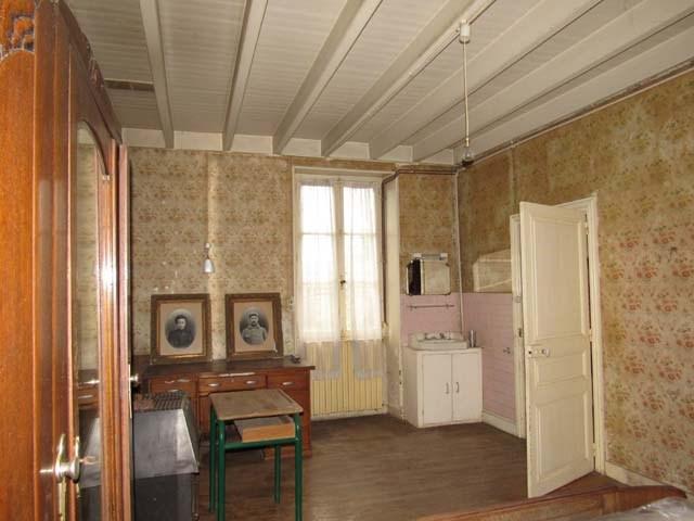 Sale house / villa St séverin sur boutonne 85600€ - Picture 6