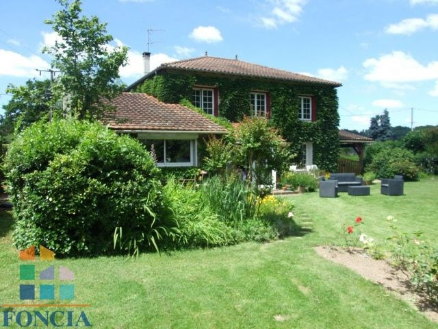 Belle et grande maison traditionnelle sur parc de 5000 m²