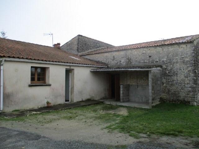 Sale house / villa Saint-jean-d'angély 43000€ - Picture 2