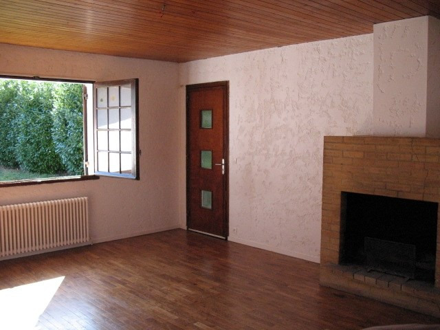 Location maison / villa Saint jean d'illac 860€ CC - Photo 1