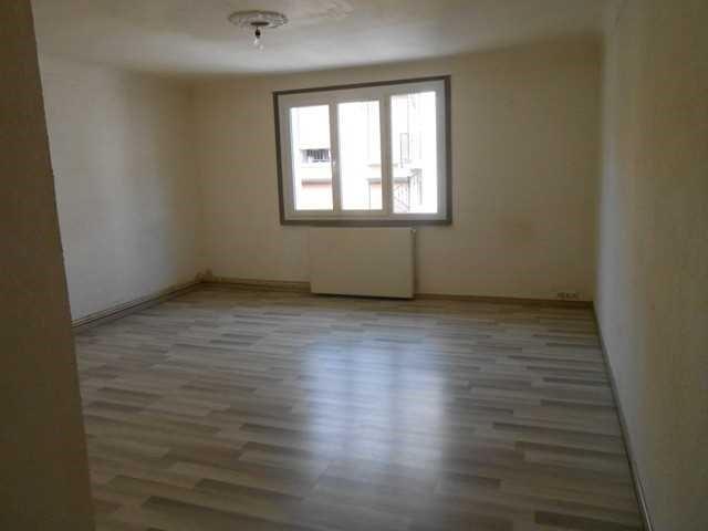Locação apartamento Sury-le-comtal 340€ CC - Fotografia 3