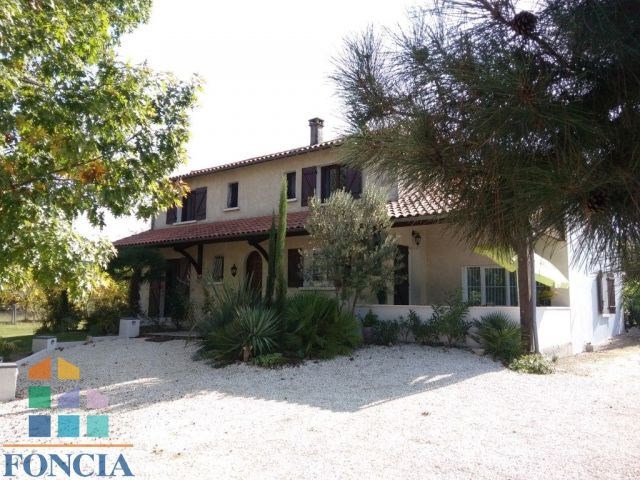 Sale house / villa Bergerac 275 000€ - Picture 1