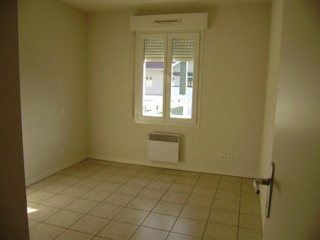Location appartement Artix 575€ CC - Photo 2
