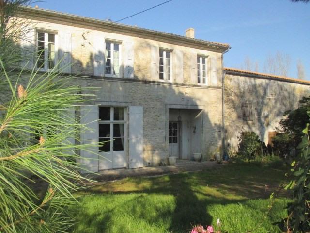Sale house / villa Tonnay-charente 449350€ - Picture 2