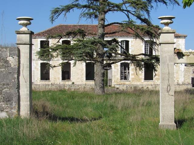 Sale house / villa Asnières-la-giraud 284800€ - Picture 5