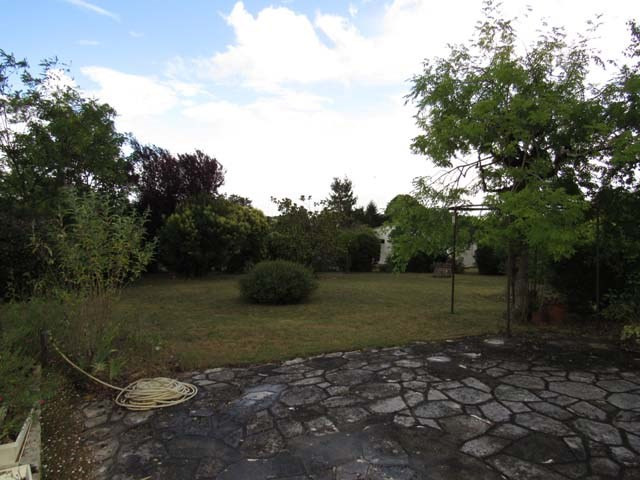Sale house / villa Saint-jean-d'angély 148 400€ - Picture 3