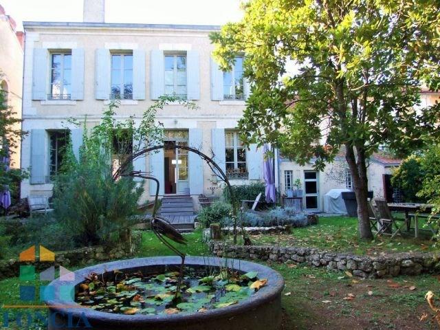 Maison de ville 375 m²
