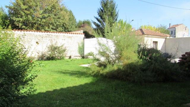 Sale house / villa Saint-jean-d'angély 217300€ - Picture 3