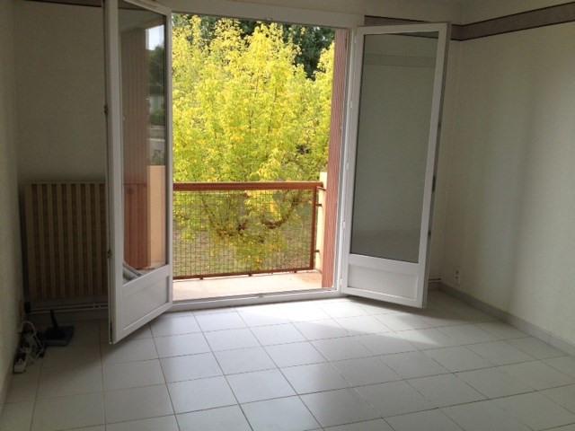 Locação apartamento Gardanne 750€ CC - Fotografia 2