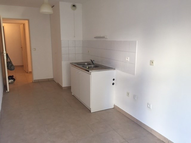 Location appartement Marseille 8ème 1 062,19€cc - Photo 5