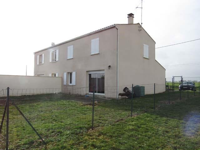 Sale house / villa La croix-comtesse 93900€ - Picture 2