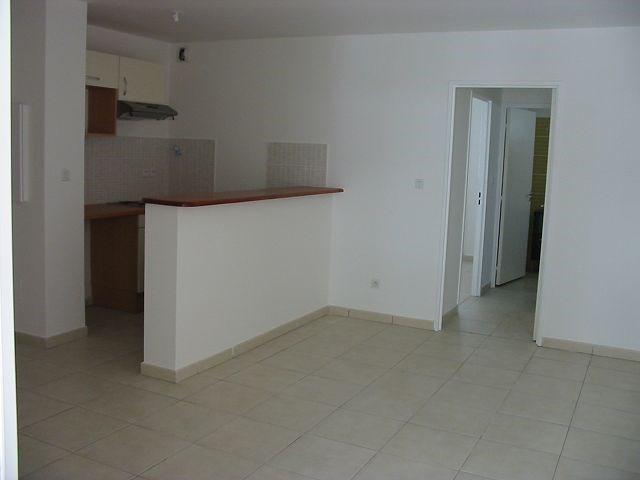 Location appartement St denis 552€ CC - Photo 5