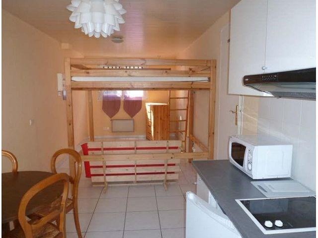 Rental apartment Maurepas 555€ CC - Picture 1