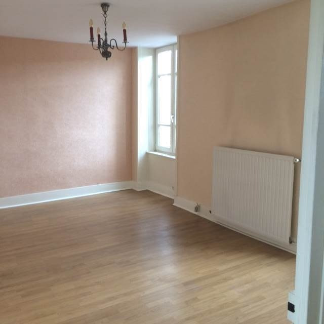 Location appartement Cuisery 420€ CC - Photo 1