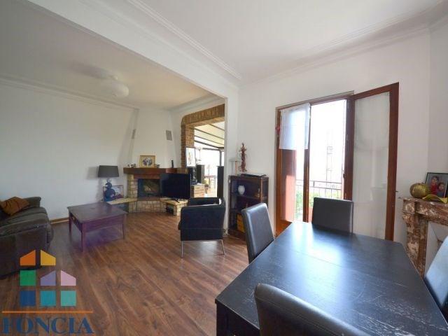 Deluxe sale house / villa Suresnes 850000€ - Picture 1