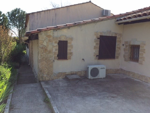 Location appartement Greasque 411€ CC - Photo 2