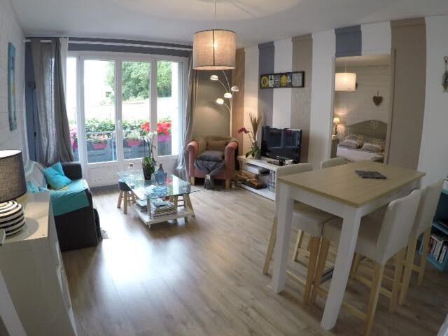 Sale apartment Quimper 107000€ - Picture 1