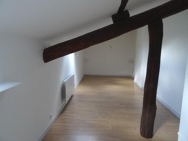 Location appartement Villefranche sur saone 605,92€ CC - Photo 3