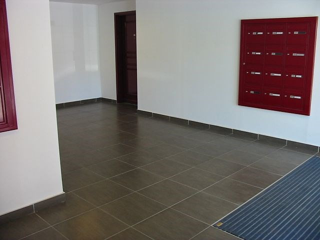 Location appartement Belle pierre 729€ CC - Photo 9