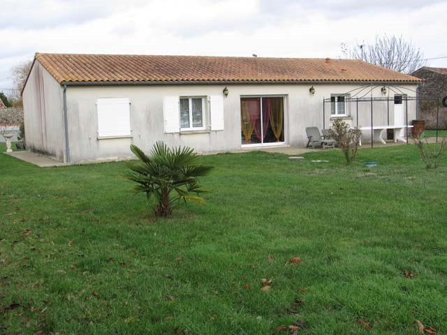 Sale house / villa Saint-pierre-de-l'isle 153750€ - Picture 1