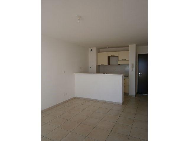 Location appartement Ste clotilde 371€ CC - Photo 4