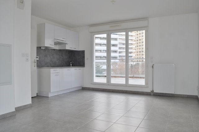 Location appartement Marseille 9ème 570€ CC - Photo 1