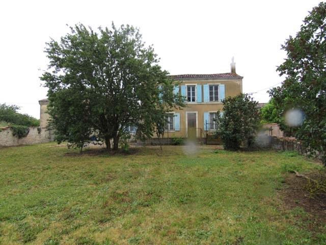 Vente maison / villa St séverin sur boutonne 85600€ - Photo 1