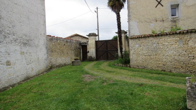 Sale house / villa Asnières-la-giraud 138000€ - Picture 3