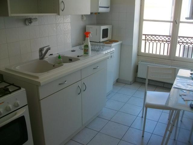 Location appartement Lyon 2ème 1062€ CC - Photo 5