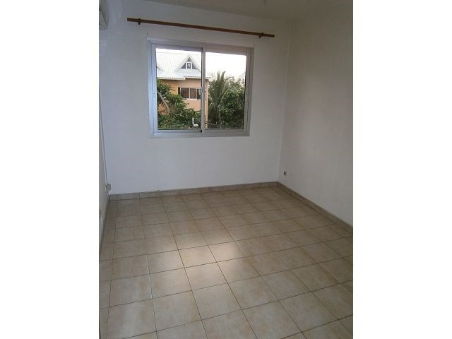 Location appartement St denis 600€ CC - Photo 3