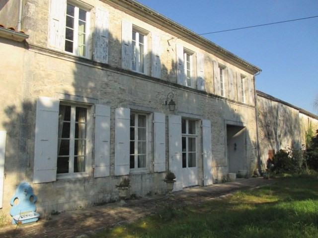 Sale house / villa Tonnay-charente 449350€ - Picture 1