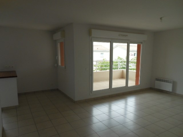 Location appartement Cadillac 541€ CC - Photo 3