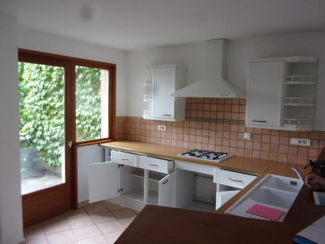 Location appartement Saint cyr au mont d or 850€ CC - Photo 3