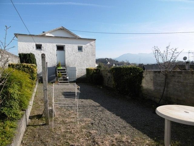 Sale house / villa Nay 125590€ - Picture 1