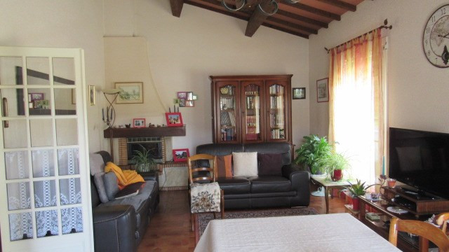 Sale house / villa St jean d'angely 190800€ - Picture 4