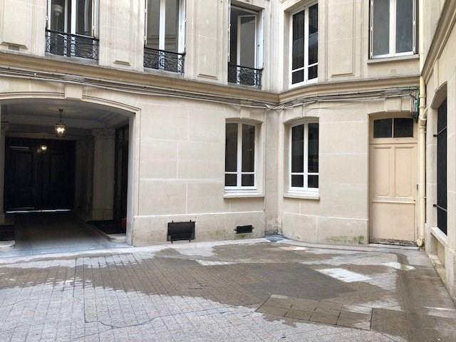 Rental apartment Paris 8ème 3790€ CC - Picture 9