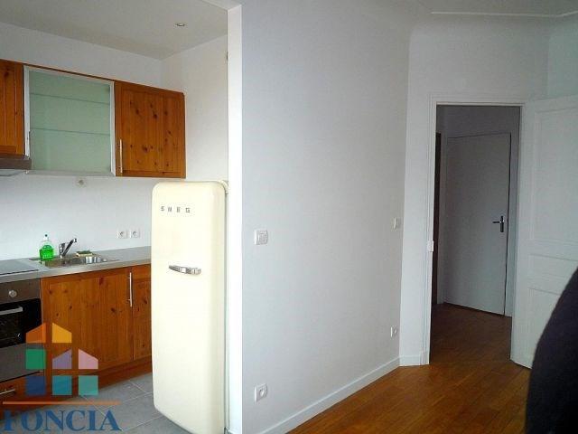 Location appartement Suresnes 955€ CC - Photo 4