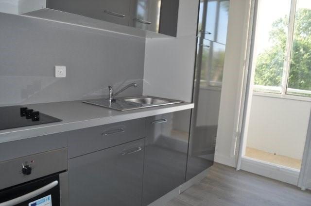 Rental apartment Marseille 8ème 860€ CC - Picture 3