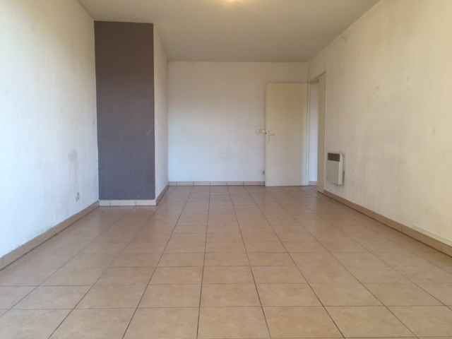 Location appartement Marseille 8ème 955,46€ CC - Photo 4