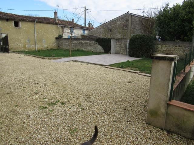 Sale house / villa Saint-jean-d'angély 150600€ - Picture 7