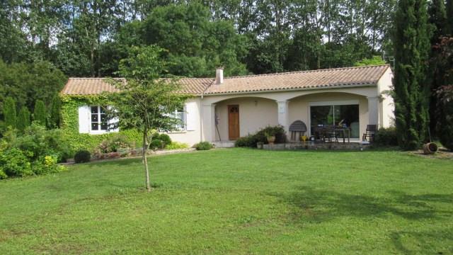 Sale house / villa Les touches-de-périgny 174900€ - Picture 2