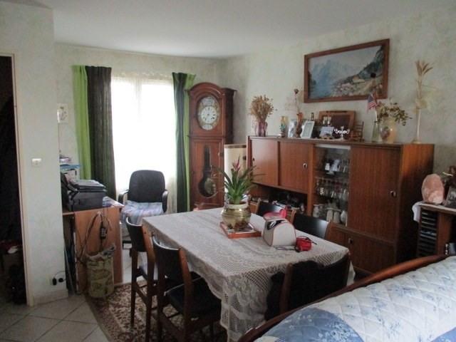 Sale house / villa Saint-jean-d'angély 137000€ - Picture 2