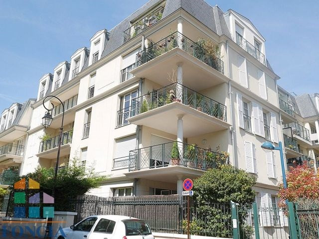 Sale apartment Saint-cloud 760 000€ - Picture 11
