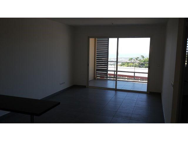Location appartement St denis 600€ CC - Photo 1