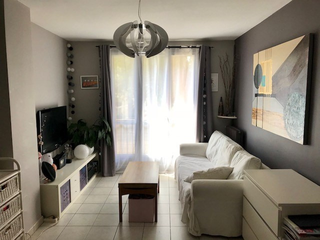 Sale apartment Aix en provence 190 000€ - Picture 2