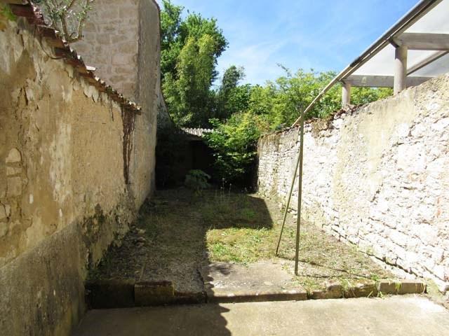 Vente maison / villa Saint-jean-d'angély 69800€ - Photo 3