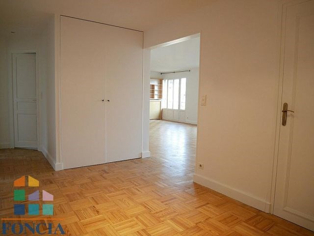 Rental apartment Suresnes 2 100€ CC - Picture 2